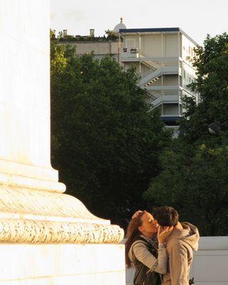 Kissing02